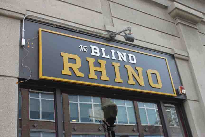 Blind rhino pan sign