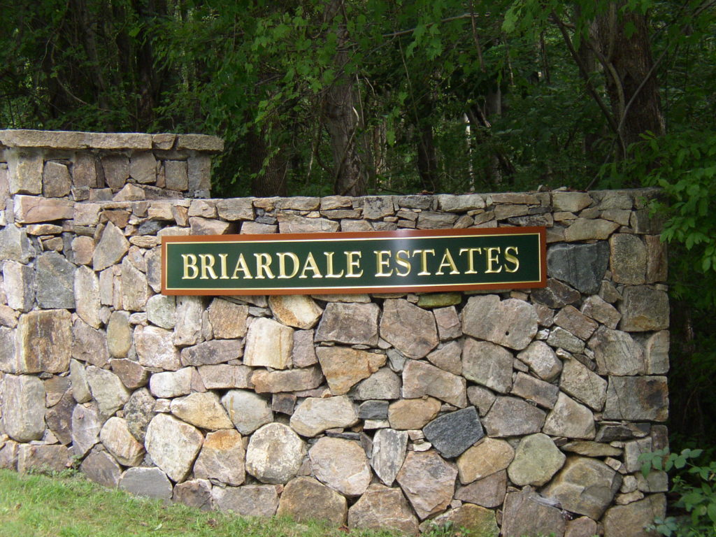 Briandale Estates Carved Sign