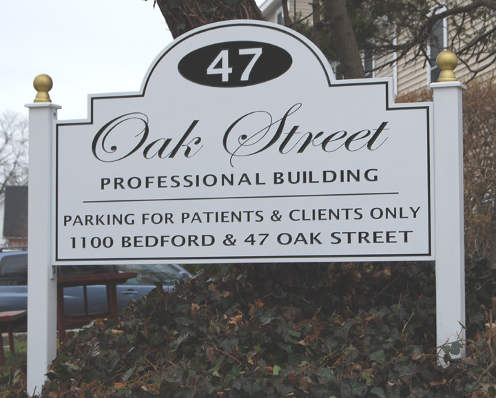 Oak Street post and panel sign