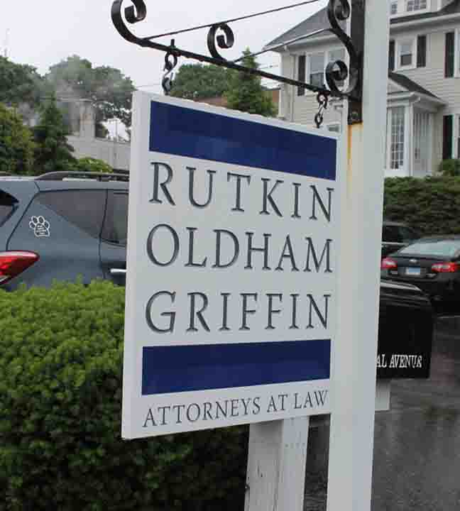rutkinpost and panel sign