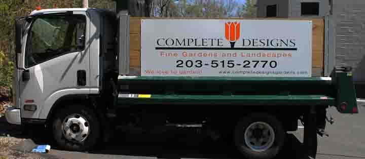 complete designs vehicle lettering