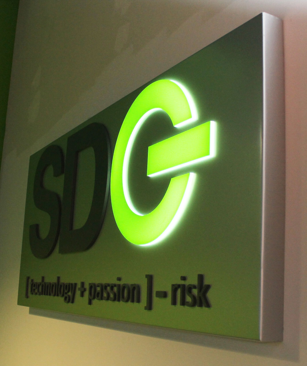 sdg sides custome office signs